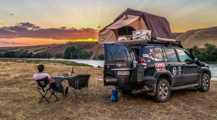 What is Overlanding? A Brief Explanation & the Differences from Off-Roading.