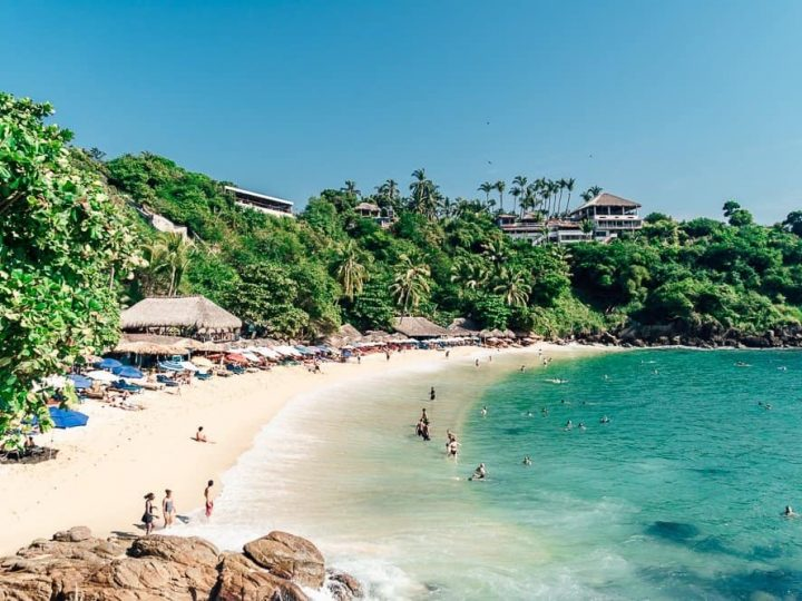 An essential guide to Puerto Escondido: When to visit, where to swim and eat?