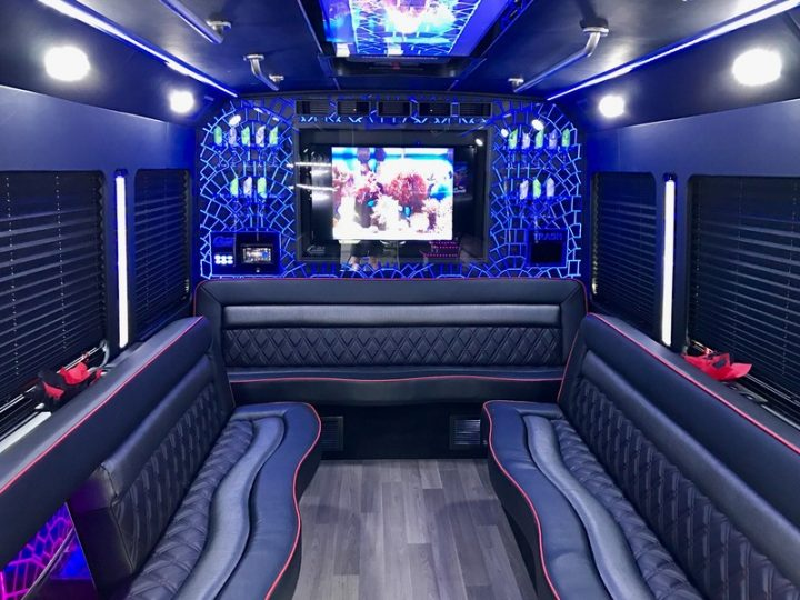 Steps To Take Before Booking Mississauga Party Bus